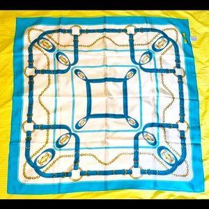 🌺 AUTH Cartier 100 percent Silk scarf